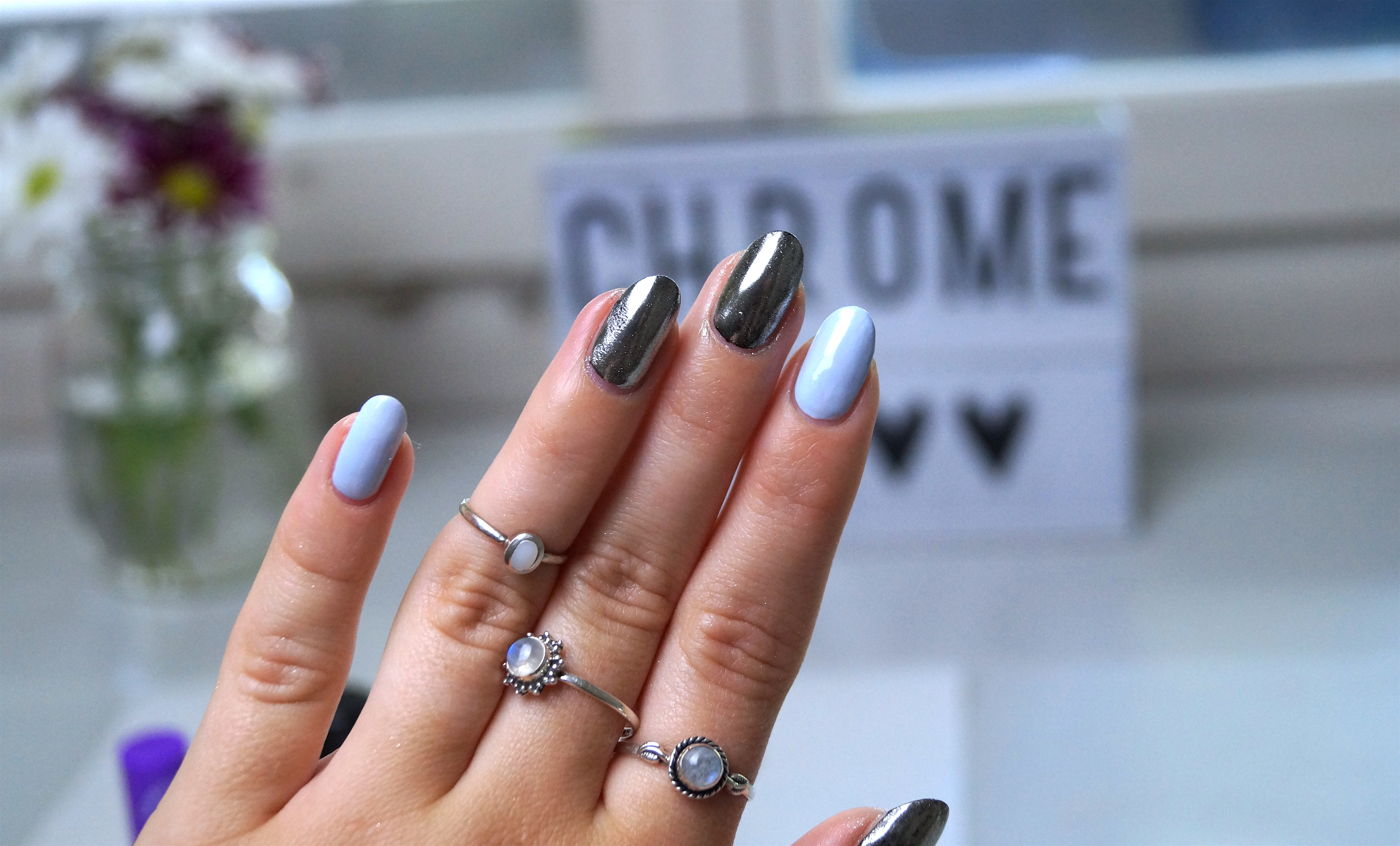 Chrome mirror nails without gel a snippet of life this isnt the easiest nail art i did i have to admit but when you get around on finding the top coat that works with your chrome pigments and get rid of prinsesfo Choice Image