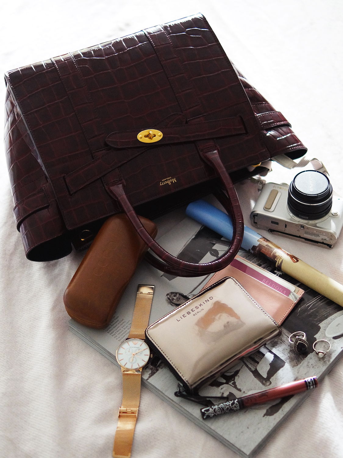 8833e33f391c Let s see what s in my Mulberry bag