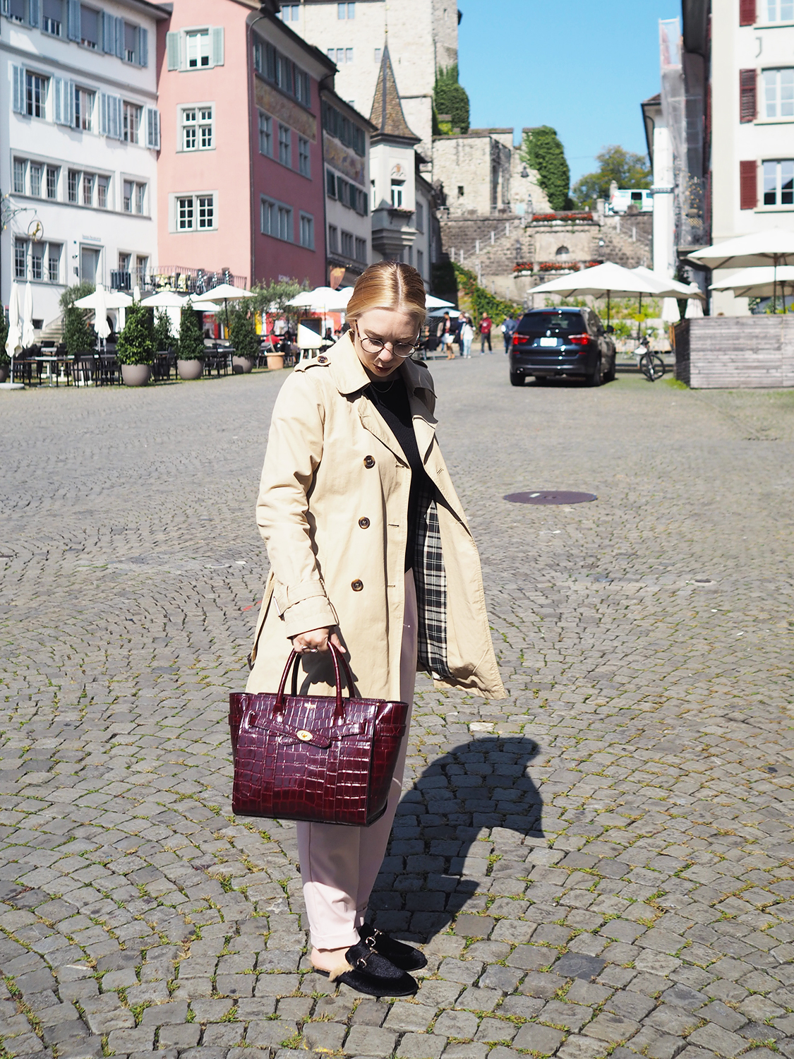 3185e1e5c5f4 Let s see what s in my Mulberry bag