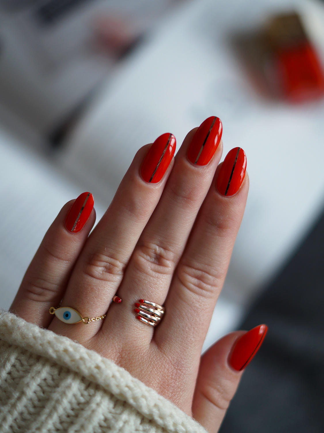 Red Nails with a Twist